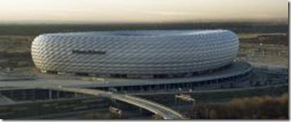 Allianz_arena_daylight_Richard_Bartz_p